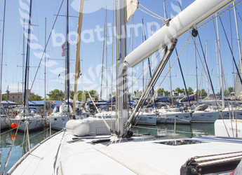 Rent a sailboat in Muelle de la lonja - Dufour 460