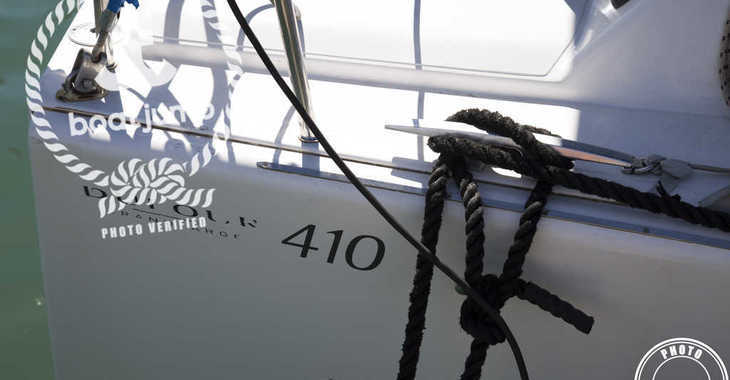 Rent a sailboat in Muelle de la lonja - Dufour 410