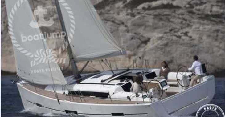 Rent a sailboat in Muelle de la lonja - Dufour 412