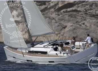 Rent a sailboat in Muelle de la lonja - Dufour 412