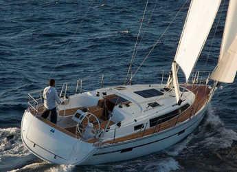 Rent a sailboat in Marina d'Arechi - Bavaria 37 Cruiser