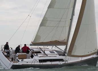 Chartern Sie segelboot in Marina di Scarlino - Dufour 382