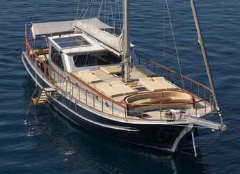 Rent a schooner in Bodrum Marina - Gulet Azra Can