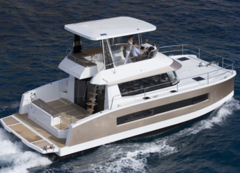 Rent a power catamaran  in Marina Mandalina - Fountaine Pajot MY 37