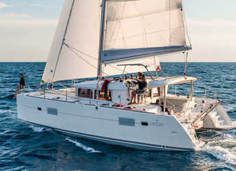 Rent a catamaran in Veruda - Lagoon 400 S2 - 4 + 2 cab.