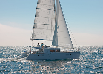 Rent a catamaran in Port Lavrion - Lagoon 450 F - 4 + 2 cab.