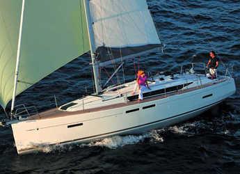 Rent a sailboat in Marina Palamos - Sun Odyssey 419