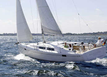 Rent a sailboat in Marina Kastela - Hanse 385