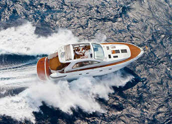 Rent a motorboat in Club de Mar - Bavaria Sport 43 HT