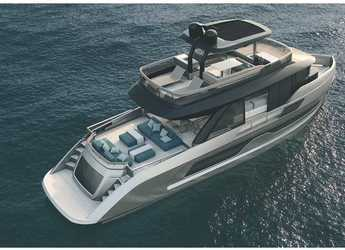 Rent a motorboat in Club de Mar - Explorer 62