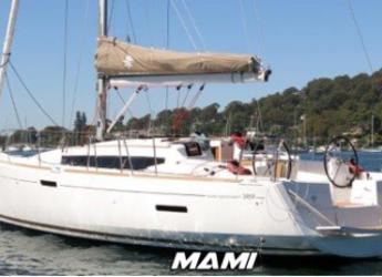 Rent a sailboat in Marbella - Jeanneau Sun Odyssey 389