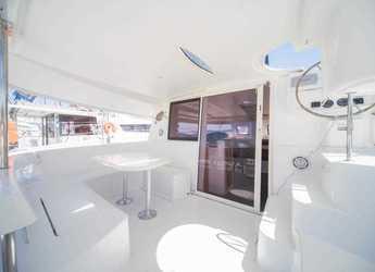 Rent a catamaran in Le port de la Trinité-sur-Mer - Lipari 41