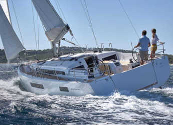 Rent a sailboat in Marina Port de Mallorca - Sun Odyssey 440