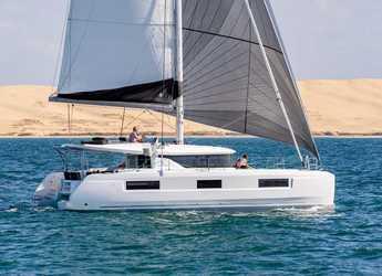 Rent a catamaran in Cala dei Sardi - Lagoon 46