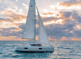 Rent a catamaran in Cala dei Sardi - Lagoon 42