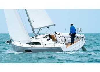 Chartern Sie segelboot in Cala dei Sardi - Oceanis 30.1