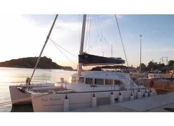 Rent a catamaran in Preveza Marina - Lagoon 380