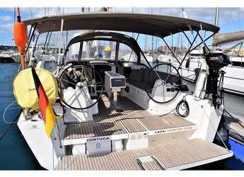 Rent a sailboat in Marina Lanzarote - Dufour 382 GL