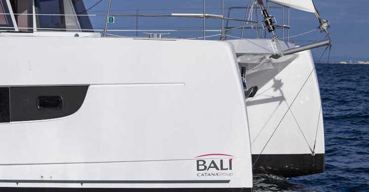 Rent a catamaran in Club Nàutic Estartit - Bali 4.8