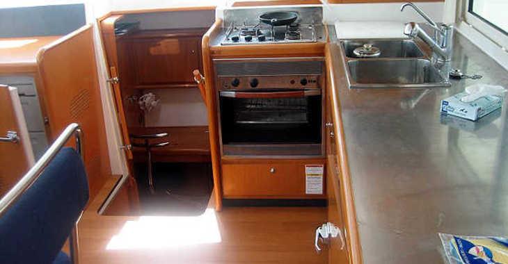 Rent a catamaran in Mykonos - Lagoon 400