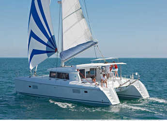 Rent a catamaran in Port Lavrion - Lagoon 421