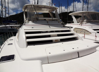 Rent a power catamaran in Road Reef Marina - Leopard 4700