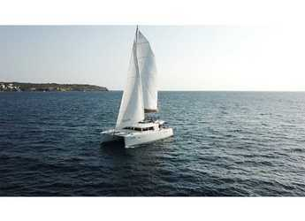 Rent a catamaran in Marina Port de Mallorca - Lagoon 450