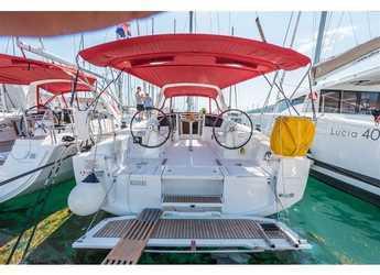 Chartern Sie segelboot in ACI Pomer - Oceanis 38