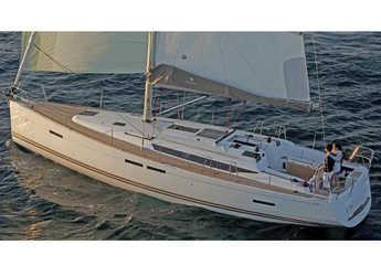 Rent a sailboat in Marina d'Arechi - Sun Odyssey 439
