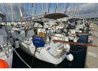 Rent a sailboat in Marine Pirovac - Sun Odyssey 33i