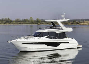 Rent a yacht in Marina Baotić - Galeon 500 Fly