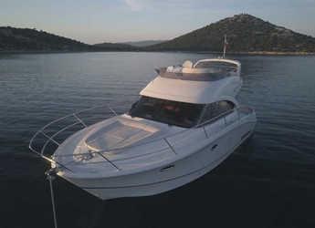 Rent a motorboat in Marina Baotić - Antares 36