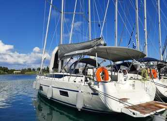 Rent a sailboat in Port Lavrion - Bavaria C45
