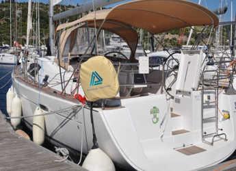 Chartern Sie segelboot in Marina Frapa - Oceanis 40