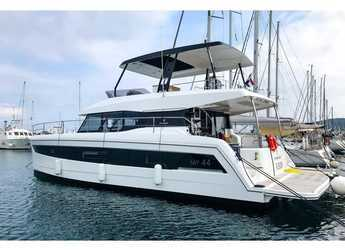 Rent a power catamaran in Punat - Fountaine Pajot MY 44
