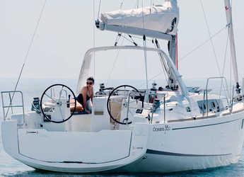 Rent a sailboat in Marina di Olbia - Oceanis 35.1