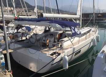 Rent a sailboat in Salerno - Bavaria C45 Holiday