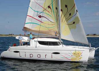 Chartern Sie katamaran in Marina di Cannigione - Lipari 41 (4Cab)