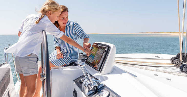 Rent a catamaran in Marina Tourlos - Lagoon 46