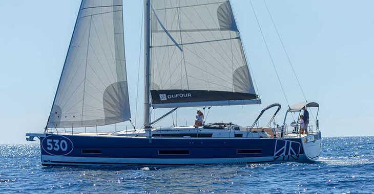 Rent a sailboat in Marina Tourlos - Dufour 530