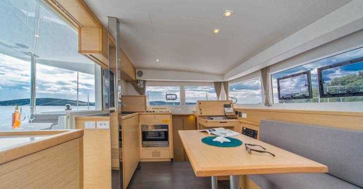 Rent a catamaran in Marina Frapa - Lagoon 39 (2017)