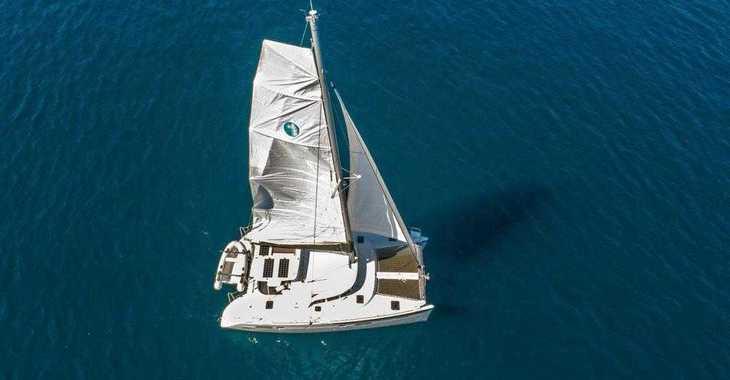 Rent a catamaran in Marina Frapa - Lagoon 380 (2017)