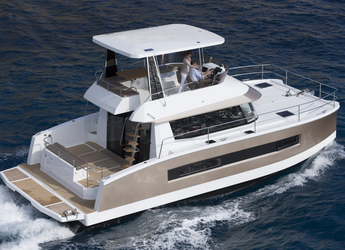 Rent a power catamaran  in Marina Frapa - Fountaine Pajot MY 37