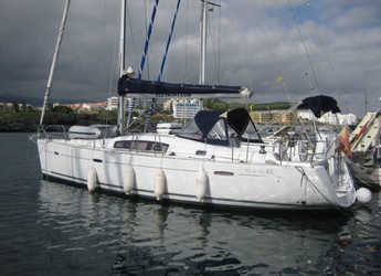 Chartern Sie segelboot in Port of Santa Cruz de Tenerife - Oceanis 43