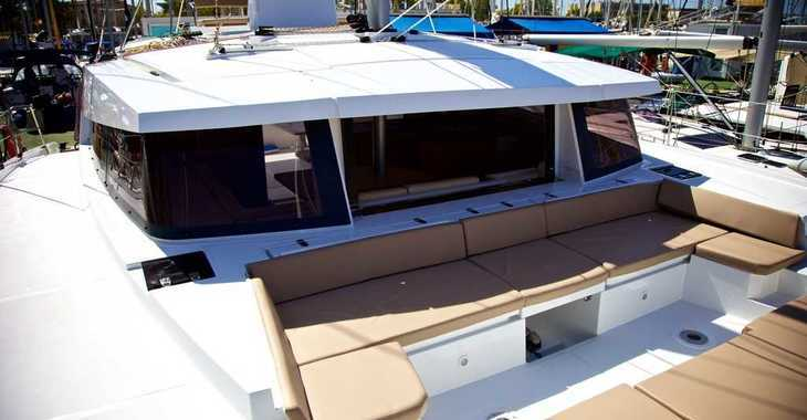 Rent a catamaran in Muelle de la lonja - Bali 4.5