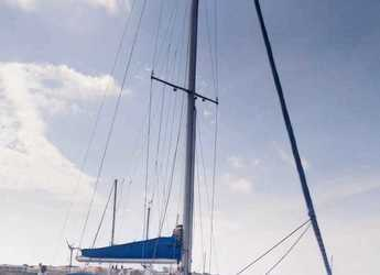 Rent a sailboat in Playa Talamanca - Beneteau Oceanis 500