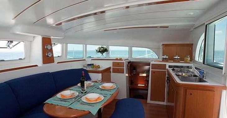 Rent a catamaran in Marina el Portet de Denia - Lagoon 380 S2