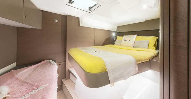 Rent a catamaran in Club Naútico de Sant Antoni de Pormany - Bali Catspace