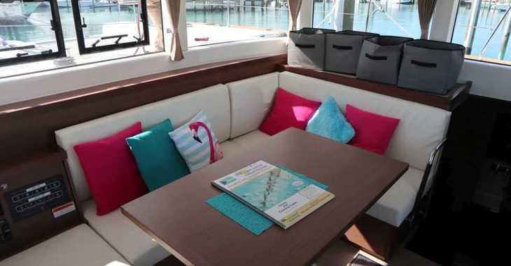 Rent a catamaran in Palm Cay Marina - Lagoon 40