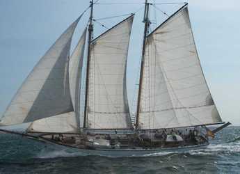 Rent a schooner in Ibiza Magna - La Bella Lola
